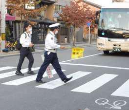 街頭啓発活動 2020年10月-0003.jpg